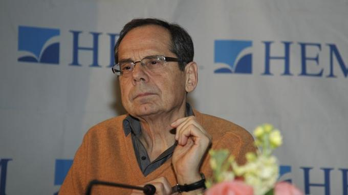 """Alain Gresh """"Une dictature d'Ennahda est inenvisageable"""""""