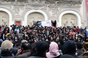 sit in del Fronte Popolare nel 2013 per chiedere la dissoluzione dell'Assemblea nazionale Costituente Crédit photo. Babnet