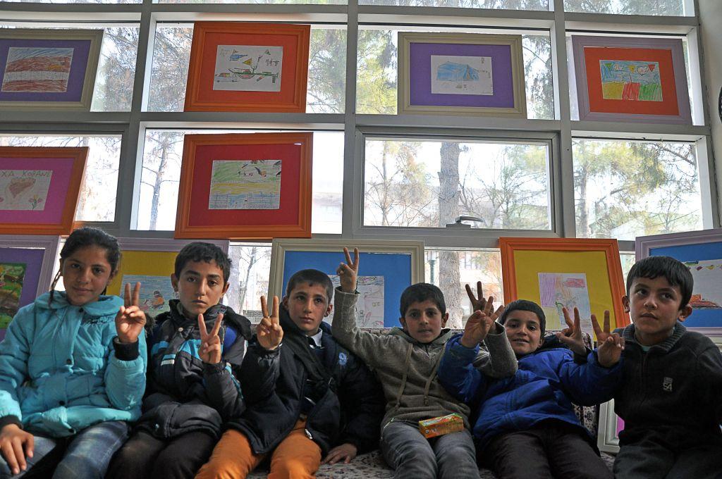 Bambini all'inaugurazione di una mostra Foto: Eliana Caramelli
