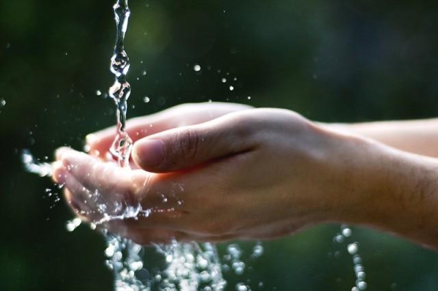 acqua-bene-comune-ogni-goccia-conta-640x425