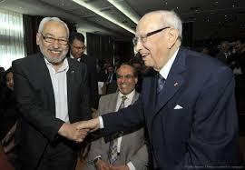 Rached Ghannouchi e Caid Essebsi durante il dialogo nazionale nel 2013 Crédit photo: fr.africatime.com