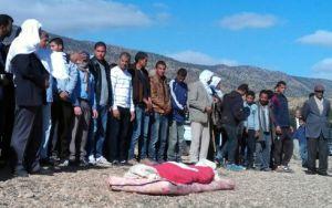 des-tunisiens-aux-funerailles-d-un-berger-de-16-ans-assassin_2362783