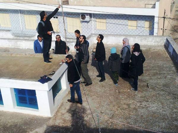Installazione del wifi gratuito a Sayada Foto da tekiano.com