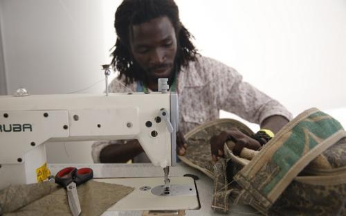 HAMIDOU, REFUGE' DEBOUTE' DE CHOUCHA RISQUE AUJOURD'HUI à 16H L'EXPULSION DE TUNIS EN COTE D'IVOIRE!!!