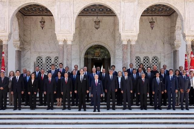 Le nouveau gouvernement de Youssef Chahed Crédit photo: www.tdg.ch