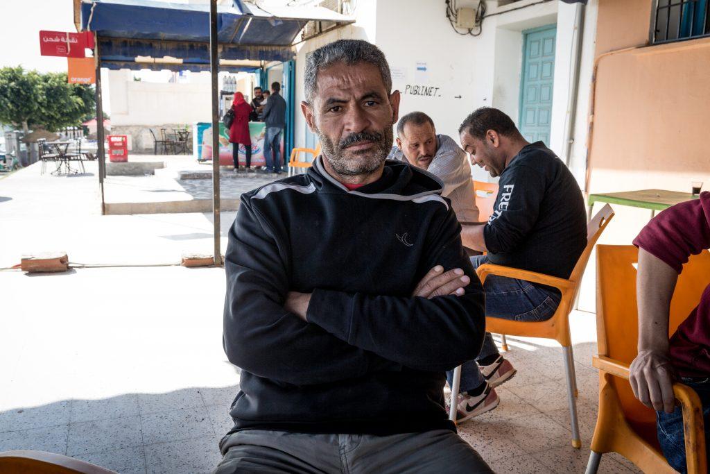 OM-Mabrouk-Lahmar-padre-di-una-vittima-di-17-anni-e-zio-di-tre-vittime-della-stessa-età.-Lavoratore-giornaliero-di-Bir-Ali-Ben-Khalifa-di-43-anni-1024x683