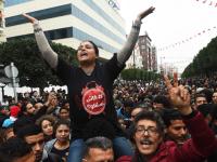 Manifestazione a Tunisi contro il carovita (FETHI BELAID/AFP/Getty Images)