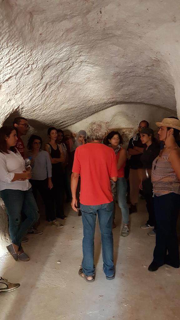 Visita in una abitazione scavata nella roccia Foto: Tunisia in Red